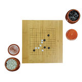 Schach und Schachbrett lokalisiert auf weißem Hintergrund Stockbilder