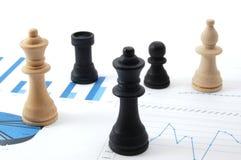 Schachmann über Geschäftsdiagramm Stockbilder