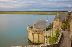 Schacht von Mont Str. Michel an der Flut Lizenzfreies Stockfoto