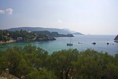 Schacht von paleokastritsa, Korfu, Griechenland Lizenzfreie Stockfotografie