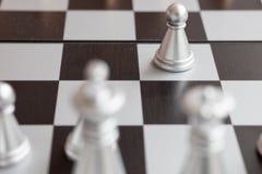 Schachvorstand mit Abbildungen Stockfoto
