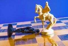 Schack på svart bakgrund Royaltyfria Bilder
