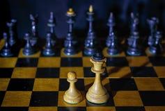 Schack skyddet av det svagt royaltyfri foto
