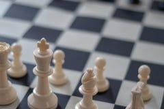 Schackbörjan arkivbilder
