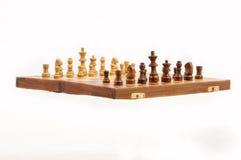 schackbräde isolerat vitt trä för objekt Arkivfoto