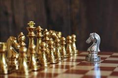 Schackbrädelek, konkurrenskraftigt begrepp för affär arkivbilder