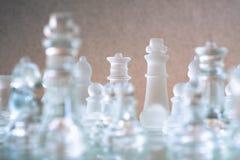 Schackbr?delek som g?ras av exponeringsglas, konkurrenskraftigt begrepp f?r aff?r arkivfoto