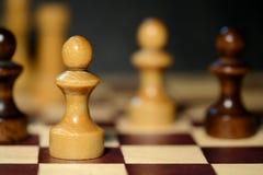 Schackdiagram på en schackbräde Arkivbilder