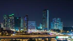 Schackningsperiod för tid för Kuala Lumpur natttrafik arkivfilmer