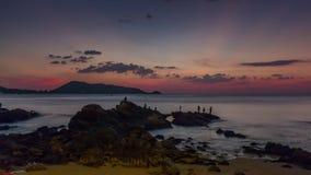 Schackningsperiod för tid för panorama 4k för strand för patong för dag för Phuket ösolnedgång Thailand arkivfilmer