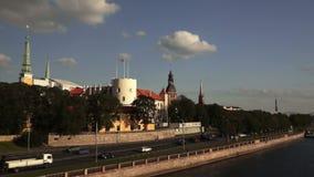 Schackningsperiod för tid för stadsRiga panorama lager videofilmer