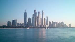 Schackningsperiod för tid 4k för Dubai marina panorama- arkivfilmer