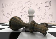 Schackstycken mot rosa bakgrund med matematik klottrar Arkivfoton