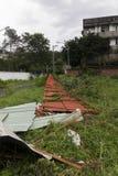 Schade door de Tyfoon Soulik aan de stad die van Taipeh wordt aangericht Stock Foto's