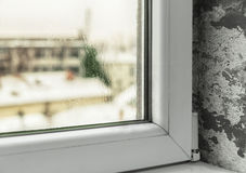 Schaden wegen der Feuchtigkeit im Haus lizenzfreie stockfotos