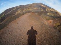 Schaduw selfie op onderstel Etna stock foto