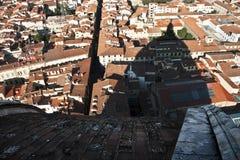 Schaduw van Duomo over daken van Florence Stock Afbeeldingen