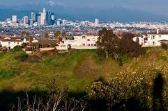 Schaduw van persoon die cityscape van La van Th mooie met mou onderzoeken Stock Fotografie