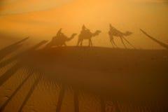 Schaduwen in de woestijn Stock Foto