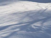 Schaduwen en shimmerig sneeuw royalty-vrije stock foto