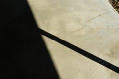 Schaduwen op Concrete Portiek royalty-vrije stock foto's