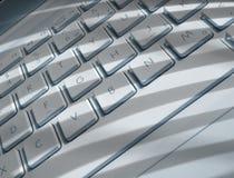 Schaduwen op laptop toetsenbord Royalty-vrije Stock Afbeelding