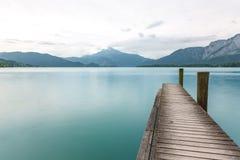 Schafberg de las aguas de Mondsee Imagenes de archivo