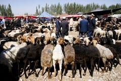 Schafe vermarkten in XinJiang von China lizenzfreies stockfoto