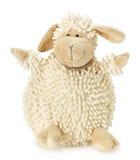 Schafspielzeug lokalisiert auf dem weißen Hintergrund Stockfotografie