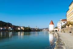 Schaiblingsturm στο Πάσσαου στο πανδοχείο Βαυαρία Γερμανία ποταμών στοκ εικόνα με δικαίωμα ελεύθερης χρήσης