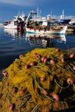 Schakelnet voor visserij dichtbij het overzees royalty-vrije stock foto