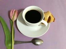 Schale coffe und stieg Lizenzfreies Stockbild