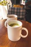Schale im Café Stockbild