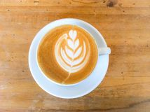 Schale Latte- oder Cappuccinokaffee Lizenzfreies Stockbild