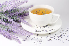 Schale Lavendeltee Lizenzfreie Stockbilder