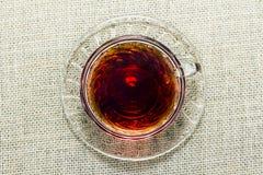 Schale schwarzer Tee Stockbild
