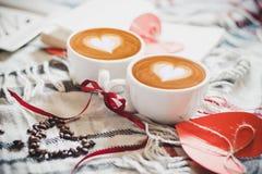2 Schale von Coffe Stockbilder