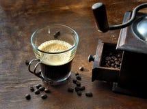 Schale von coffe und von Mühle Lizenzfreie Stockbilder