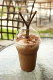 Schale zum Mitnehmen Eiskaffee Stockfotos