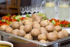 Schalenkartoffeln Stockbilder