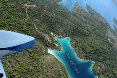 Schalentierbauernhof auf Insel Hvar von der Luft Stockfoto
