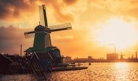 Schans Zaandam Países Bajos de Zaanse del molino Foto de archivo libre de regalías