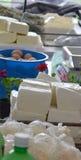 Schapenkaas in een markt Stock Fotografie