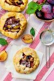 Scharfes galette Torte der rustikalen Pflaume Lizenzfreies Stockfoto