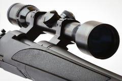 Scharfschützegewehr getrennt auf Weiß Stockfotos