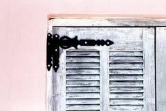 Scharnier op houten blind stock foto's