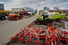 Scharnierend materiaal voor tractor Tyumen Rusland royalty-vrije stock afbeelding