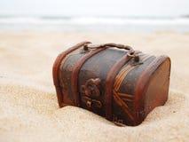 Schat in het zand royalty-vrije stock afbeelding