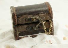 Schatborst in zand Royalty-vrije Stock Foto's