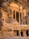 Schatkist in Weinig stad van Petra, Jordanië stock afbeelding